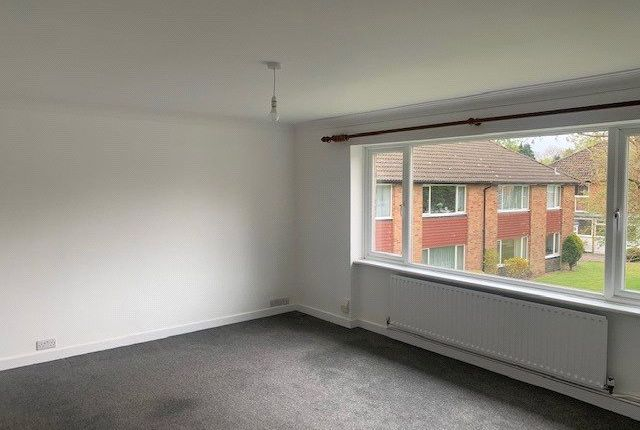 2 bed maisonette to rent in Furrows Place, Furrows Place, Caterham, Surrey CR3