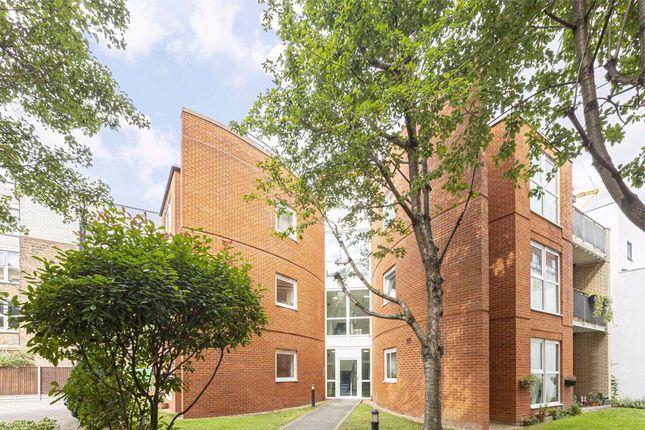 Thumbnail Flat to rent in Mount Mills, London