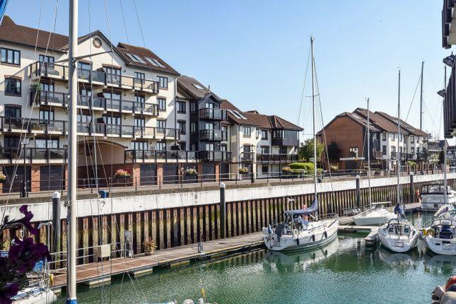 4 bedroom property to rent in Moorhead Court, Ocean Village, Hampshire