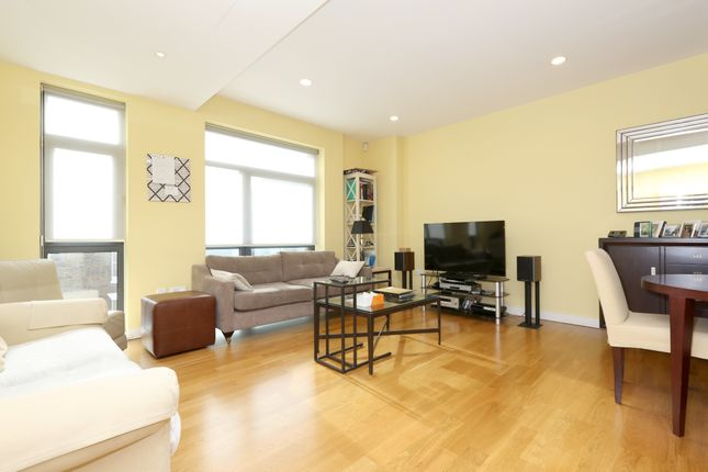 Thumbnail Flat to rent in Blandford St, London