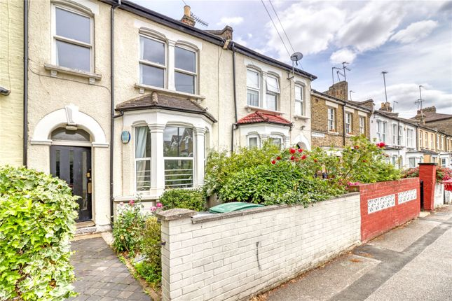 Thumbnail Flat to rent in Wakefield Road, London