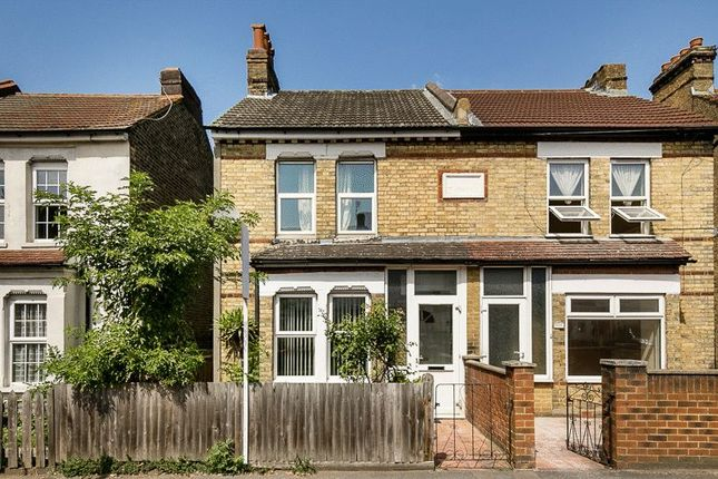 Thumbnail Semi-detached house for sale in Waddon Road, Croydon
