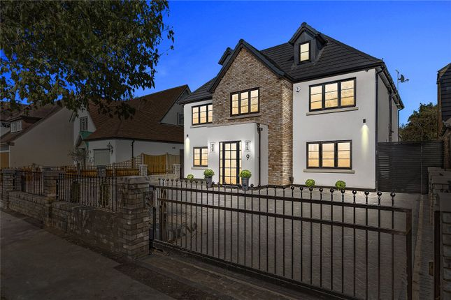 Thumbnail Detached house for sale in Ayloffs Walk, Emerson Park