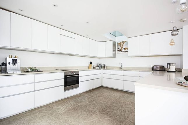 Thumbnail Flat for sale in Mount Pleasant Hill, Clapton, London