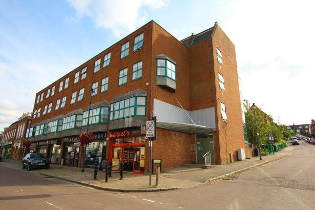 2 bed flat to rent in Callard House, High Street, Berkhamsted, Herts HP4