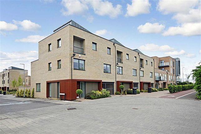 Thumbnail Flat to rent in Harvest Road, Trumpington, Cambridge