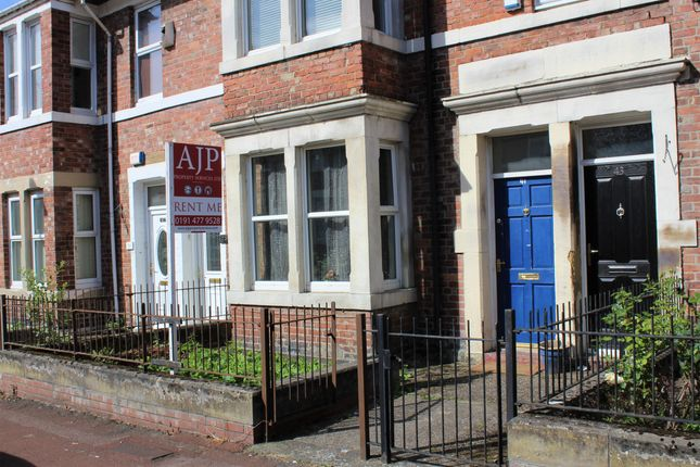 Thumbnail Flat to rent in Rodsley Avenue, Gateshead