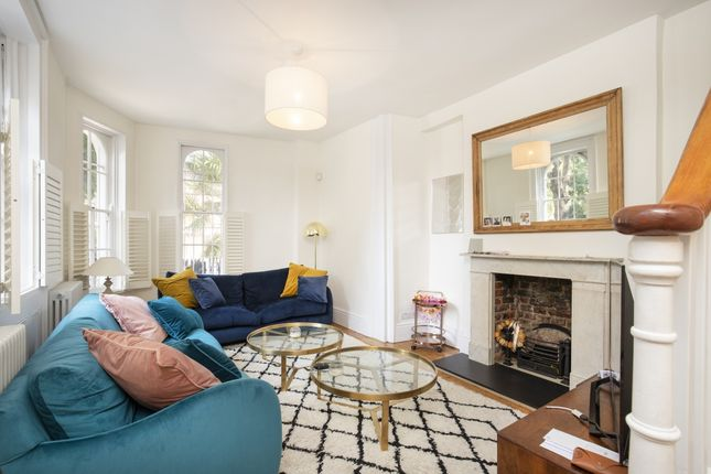 Thumbnail Terraced house to rent in Colebrooke Row, London