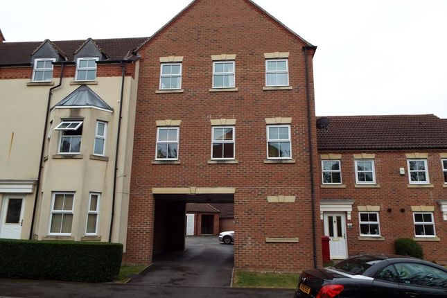 Thumbnail Detached house to rent in Parsons Road, Langley, Slough