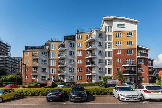 2 bed flat for sale in The Gateway, Watford, Herts, UK WD18