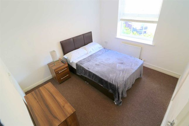Thumbnail Shared accommodation to rent in Croyland Drive, Elstow, Bedford