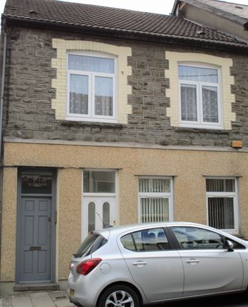 Thumbnail Flat to rent in Margaret Street, Abercynon
