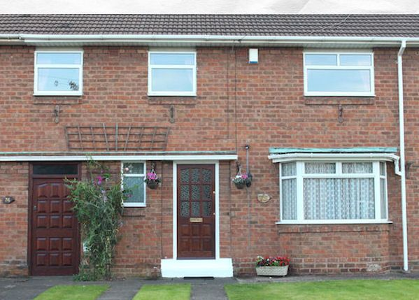 Thumbnail Terraced house to rent in Redhurst Drive, Fordhouses, Wolverhampton