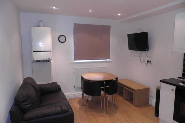 Thumbnail Flat to rent in Belle Vue Road, Leeds, West Yorkshire