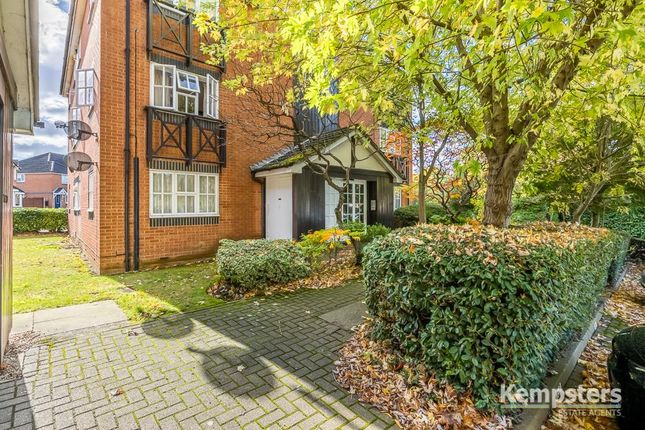 Studio for sale in Dudley Close, Chafford Hundred, Grays RM16