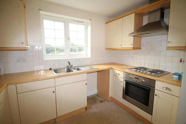 Thumbnail Flat to rent in Clifton Marine Parade, Gravesend
