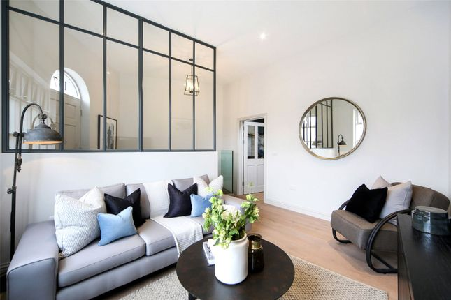 Thumbnail End terrace house for sale in Southwark Bridge Road, London
