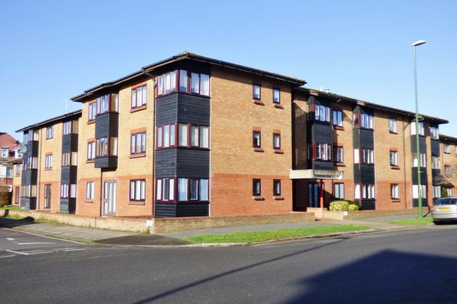 Thumbnail Property to rent in Fitzalan Road, Littlehampton