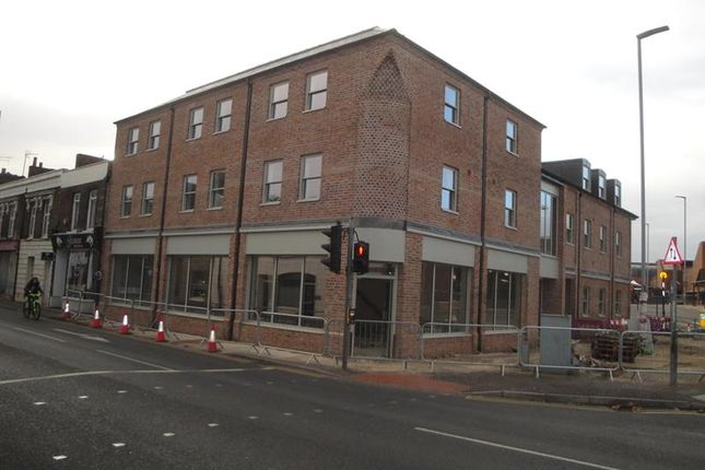 Retail premises to let in Unit A, 18-20, Railway Road, King's Lynn