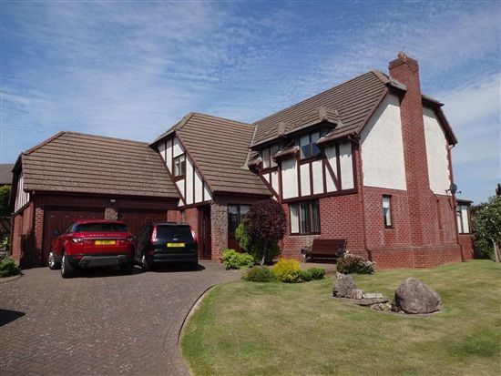 4 bed property for sale in The Gardens, Barrow In Furness