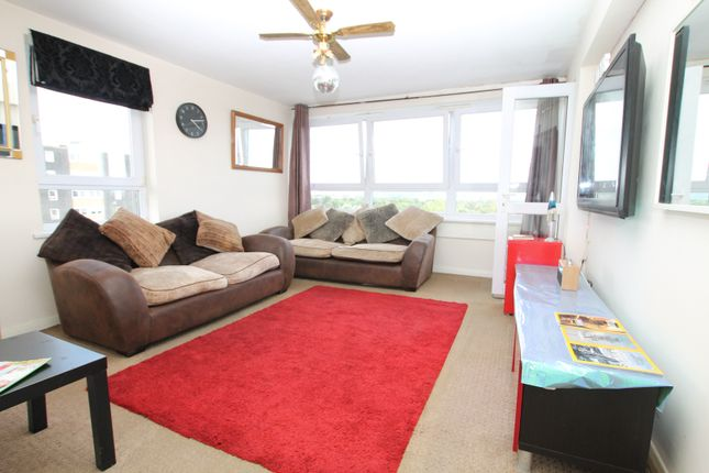 Thumbnail Flat for sale in Slewins Close, Hornchurch
