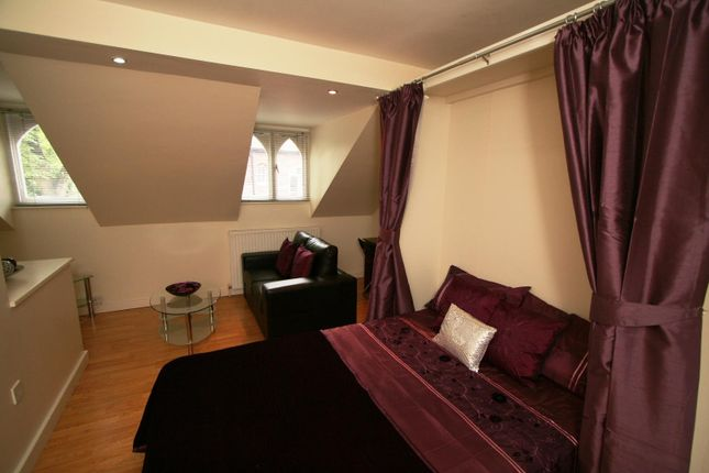 Thumbnail Studio to rent in Flat 15, 40 Hyde Terrace, City Centre