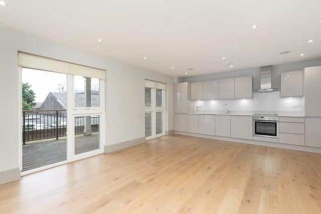 Thumbnail Flat to rent in Morden Road, Wimbledon