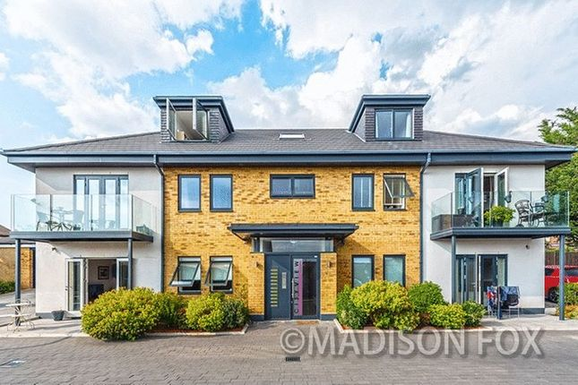 Thumbnail Flat for sale in City View Apartments, Chigwell
