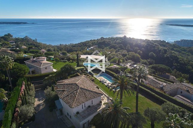 Villa for sale in Cannes, 06220, France