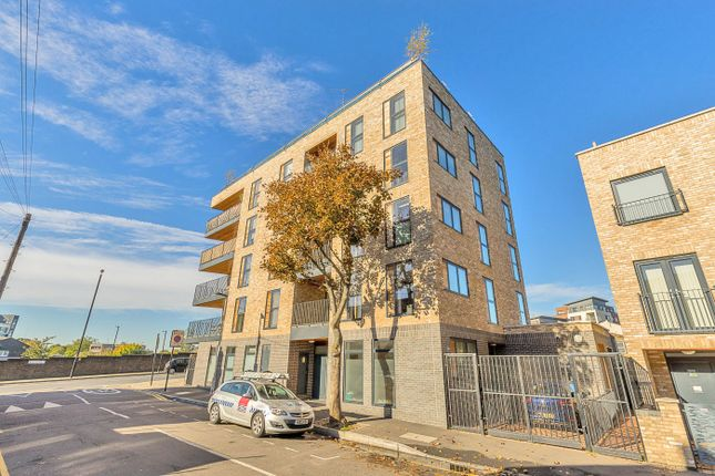 Thumbnail Flat for sale in Queens Road West, London, Greater London