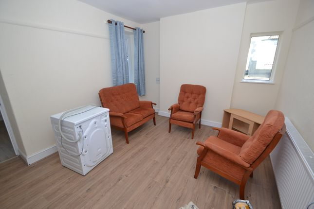 Thumbnail Property to rent in Collins Terrace, Treforest, Pontypridd