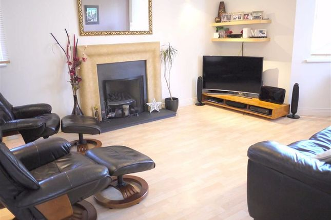 Thumbnail Terraced house to rent in Deepdale Close, London