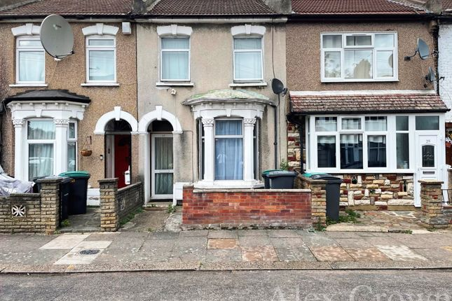 Thumbnail Terraced house for sale in Farningham Road, London