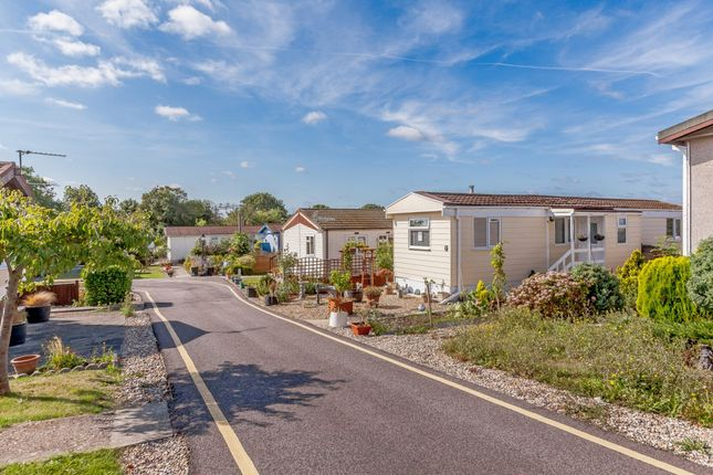 Thumbnail Mobile/park home for sale in Dunton Mobile Home Park, Brentwood, Essex