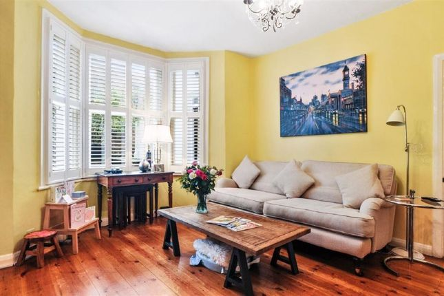 Thumbnail Flat to rent in Oakington Road, London