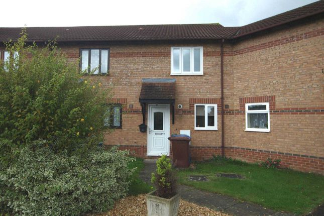 2 bed terraced house to rent in Spruce Drive, Bicester