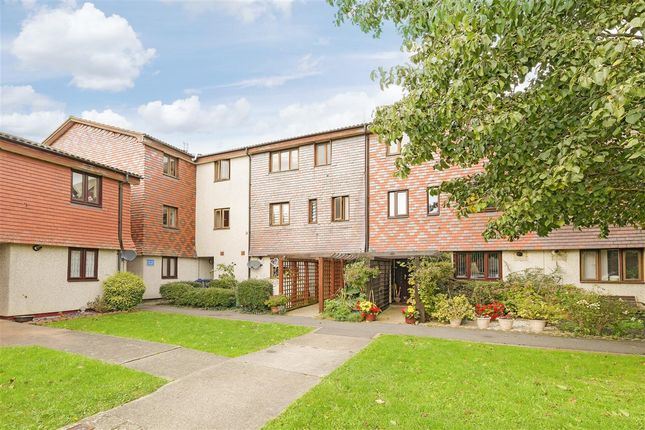 Flat for sale in Coniston Close, West Wimbledon, West Wimbledon