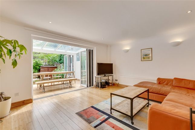 Thumbnail Property to rent in Gomm Road, London