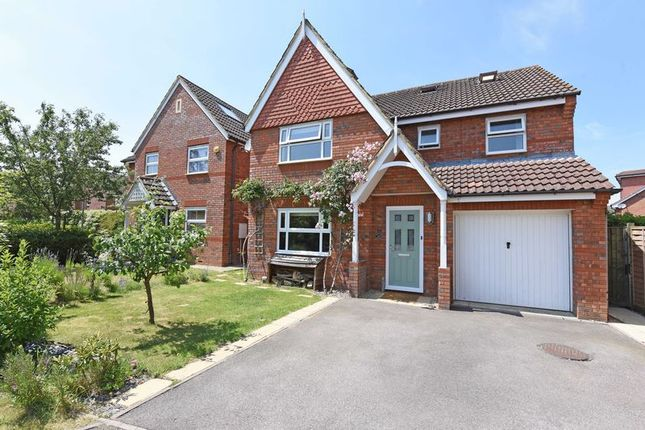 Thumbnail Detached house for sale in Farriers Close, Bramley, Tadley