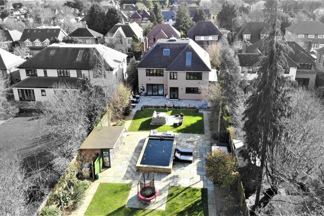Thumbnail Detached house for sale in Broadstrood, Loughton