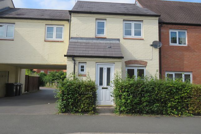 Thumbnail Terraced house for sale in Longfellow Road, Stratford-Upon-Avon
