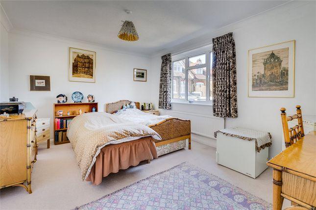 Bedroom of Vicarage Road, London SW14