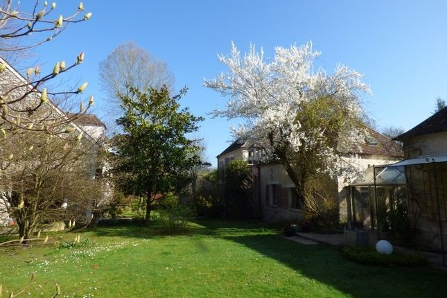 Thumbnail Property for sale in Île-De-France, Seine-Et-Marne, Fontainebleau