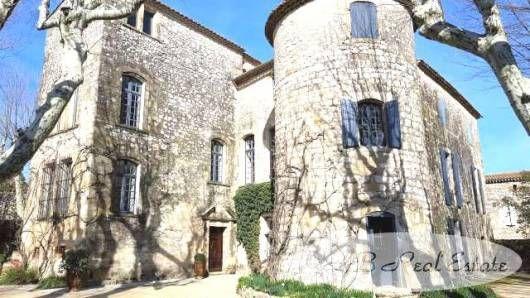 Property for sale in 30700 Uzès, France