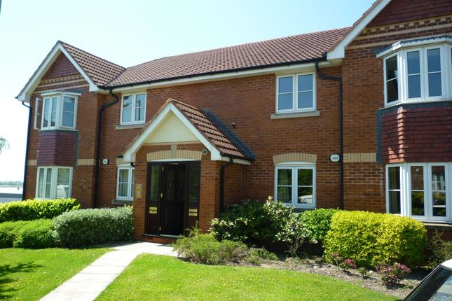 Thumbnail Flat to rent in Lower Brook Close, Horwich, Bolton