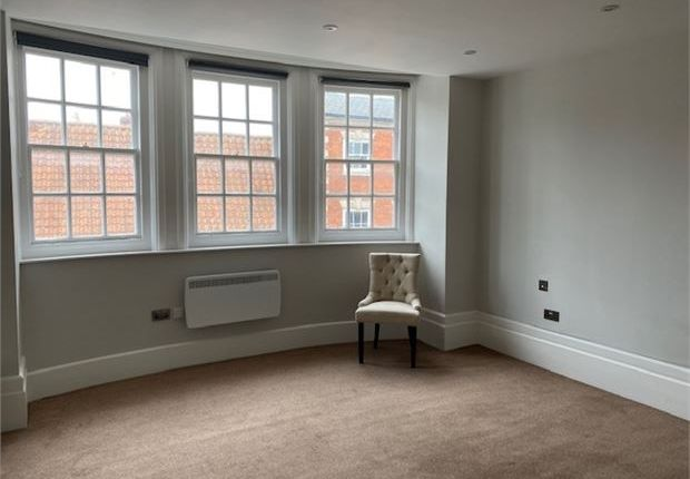 Picture 3 of 1 Market Place Apartments, Newark, Nottinghamshire. NG24
