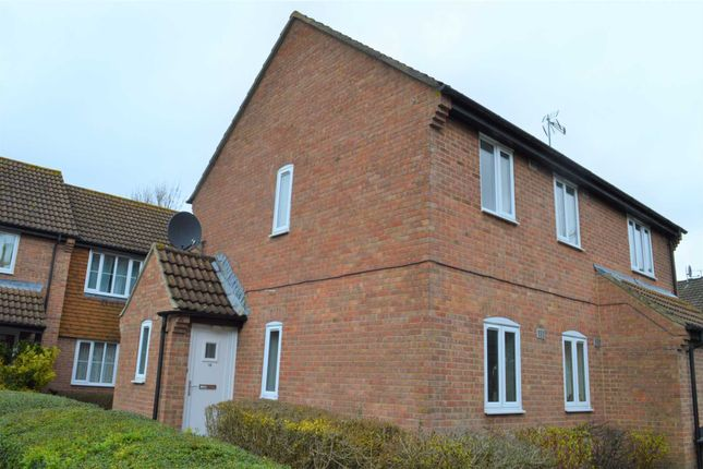Thumbnail Maisonette to rent in Wiltshire Close, Hungerford
