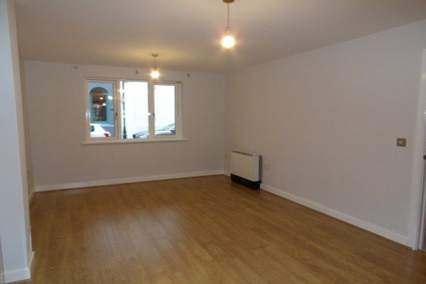 Flat to rent in Gas Street, Birmingham