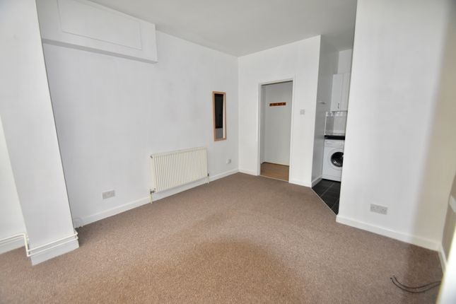 Living Room of Athelstan Road, Southampton SO19