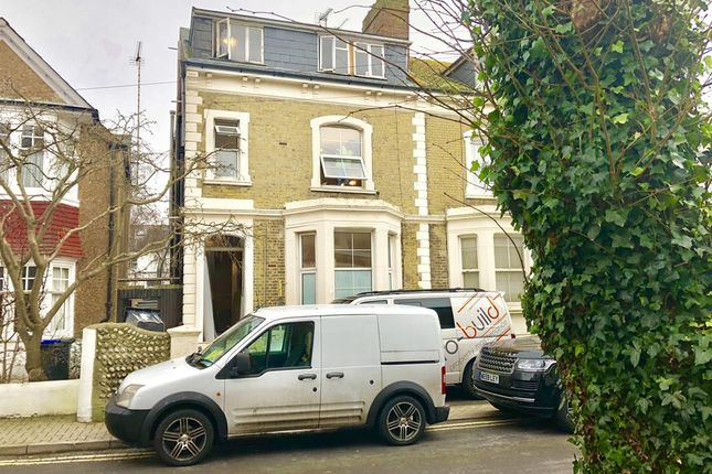 Studio to rent in Grafton Road, Worthing, West Sussex